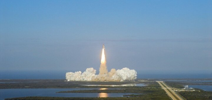 discovery-space-shuttle-1665271_1280